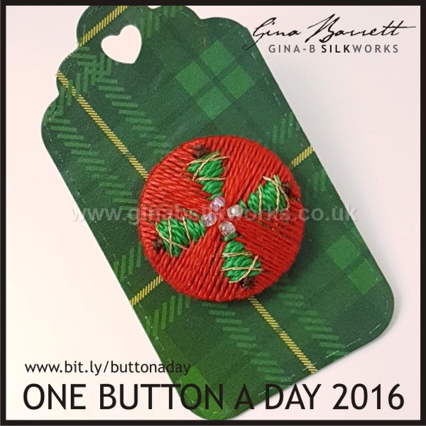 Day 356 : Oh Christmas Tree #onebuttonaday by Gina Barrett